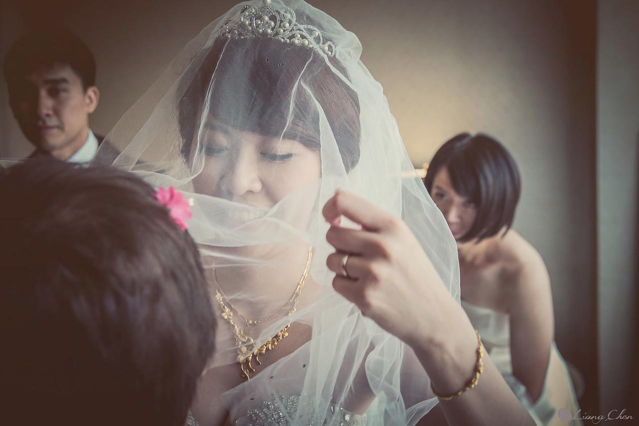 自主婚紗,獨立婚紗,自助婚紗,海外婚禮, 海外婚紗,婚紗攝影,Wedding photo,pre wedding,bride, 婚攝,台北攝影師,台灣攝影師,婚紗攝影師,婚紗攝影工作室,良大LiangChen,婚禮攝影, 婚禮紀錄,婚禮,婚紗,攝影,白紗,禮服, 婚禮攝影,婚禮拍照,拍婚紗,拍婚禮,結婚迎娶,訂婚儀式,人像婚紗, 個性時尚婚紗, Howbon Floral Design 好棒花藝,新娘捧花,Alisha&Lace 愛儷紗&蕾絲手工婚紗,棚內婚紗照,肖像婚紗,陽明山,造型師Vivi Makeup Studio,造型師瑋翎,造型師Nina楊夢稊,大直維多利亞酒店婚攝