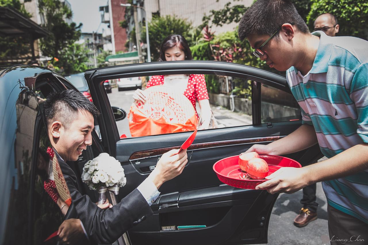 自主婚紗,獨立婚紗,自助婚紗,海外婚禮, 海外婚紗,婚紗攝影,婚攝,台北攝影師,台灣攝影師,婚紗攝影師,婚紗攝影工作室,良大LiangChen,婚禮攝影, 婚禮紀錄,婚禮,婚紗,攝影,白紗,禮服, 婚禮攝影,婚禮拍照,拍婚紗,拍婚禮,結婚迎娶,訂婚儀式,人像婚紗, 個性時尚婚紗, Howbon Floral Design 好棒花藝,Alisha&Lace 愛儷紗&蕾絲手工婚紗,棚內婚紗照,