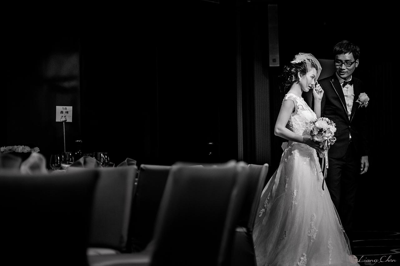 自主婚紗,獨立婚紗,自助婚紗,海外婚禮, 海外婚紗,婚紗攝影,Wedding photo,pre wedding,bride, 婚攝,台北攝影師,台灣攝影師,婚紗攝影師,婚紗攝影工作室,良大LiangChen,婚禮攝影, 婚禮紀錄,婚禮,婚紗,攝影,白紗,禮服, 婚禮攝影,婚禮拍照,拍婚紗,拍婚禮,結婚迎娶,訂婚儀式,人像婚紗, 個性時尚婚紗, Howbon Floral Design 好棒花藝,新娘捧花,Alisha&Lace 愛儷紗&蕾絲手工婚紗,棚內婚紗照,肖像婚紗,陽明山,造型師Vivi Makeup Studio,造型師瑋翎,造型師Nina楊夢稊,維多利亞酒店,大直,戶外証婚
