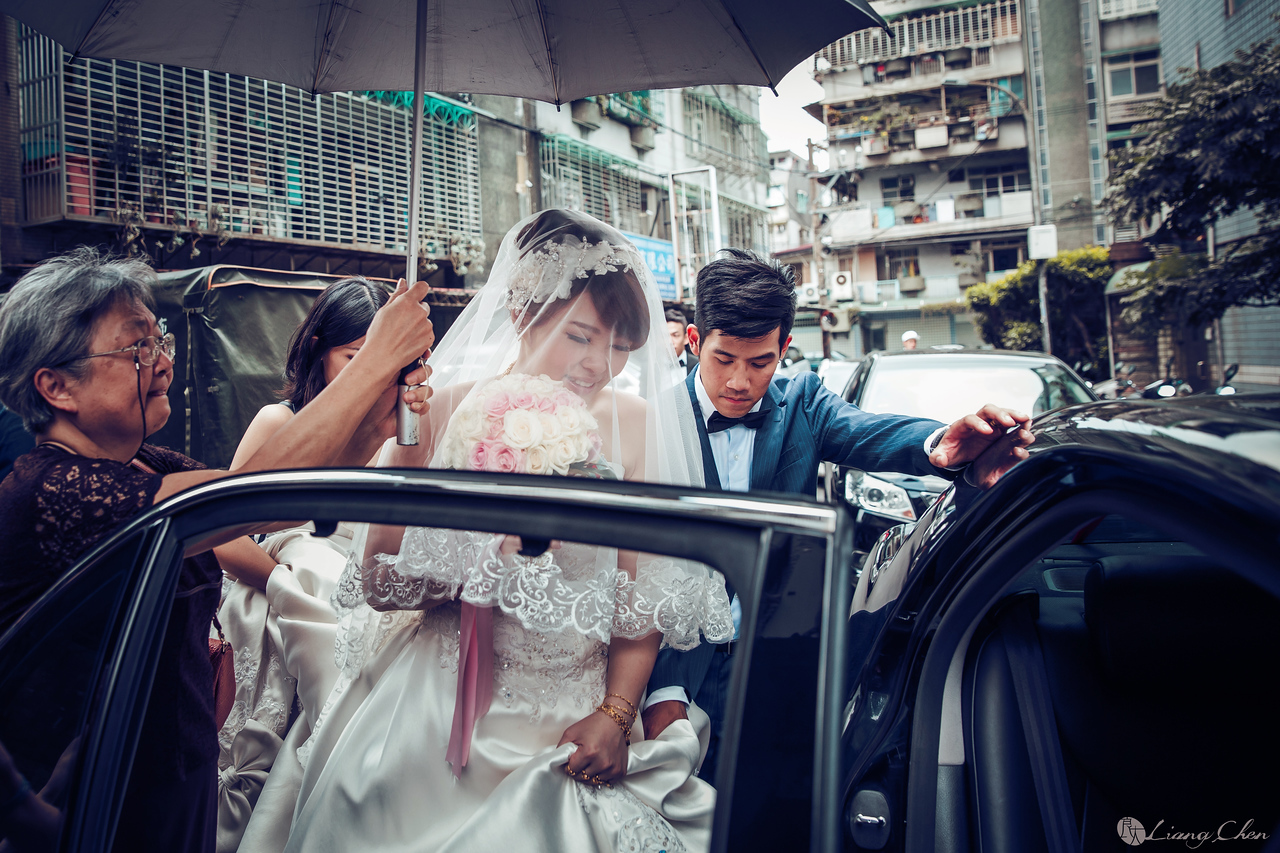 自主婚紗,Pre-Wedding,獨立婚紗,自助婚紗,海外婚禮, 海外婚紗,婚紗攝影,,image ,Wedding photo,pre wedding,bride, 婚攝,台北攝影師,台灣攝影師,婚紗攝影師,婚紗攝影工作室,良大LiangChen,婚禮攝影, 婚禮紀錄,婚禮,婚紗,攝影,白紗,禮服, 婚禮攝影,婚禮拍照,拍婚紗,拍婚禮,結婚迎娶,訂婚儀式,人像婚紗, 個性時尚婚紗, Howbon Floral Design 好棒花藝,新娘捧花,Alisha&Lace 愛儷紗&蕾絲手工婚紗,棚內婚紗照,肖像婚紗,陽明山,造型師Vivi Makeup Studio,造型師瑋翎,造型師Nina楊夢稊, 白紗禮服,量身訂制白紗禮服,棚內婚紗,復古婚紗,, 陽明山拍婚紗 ,北投龍鳯谷,淡水莊園,婚紗攝影基地,新郎闖關,台北晶華酒店