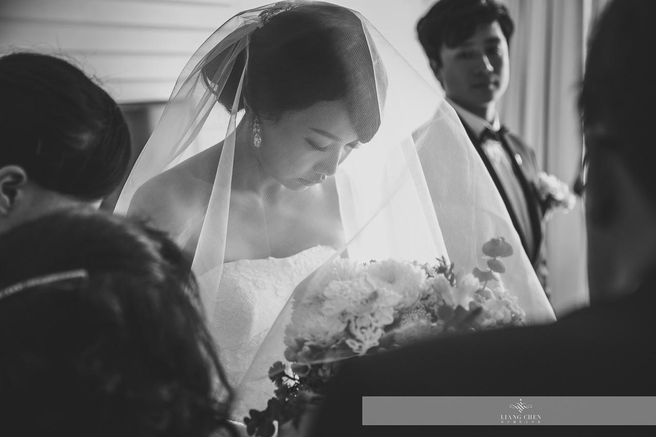自主婚紗,獨立婚紗,自助婚紗,海外婚禮, 海外婚紗,婚紗攝影,,image ,Wedding photo,pre wedding,bride, 婚攝,台北攝影師,台灣攝影師,婚紗攝影師,婚紗攝影工作室,良大LiangChen,婚禮攝影, 婚禮紀錄,婚禮,婚紗,攝影,白紗,禮服, 婚禮攝影,婚禮拍照,拍婚紗,拍婚禮,結婚迎娶,訂婚儀式,人像婚紗, 個性時尚婚紗, Howbon Floral Design 好棒花藝,新娘捧花,Alisha&Lace 愛儷紗&蕾絲手工婚紗,棚內婚紗照,肖像婚紗,陽明山,造型師Vivi Makeup Studio,造型師瑋翎,造型師Nina楊夢稊, 白紗禮服,量身訂制白紗禮服,陽明山拍婚紗,大直維多利亞酒店