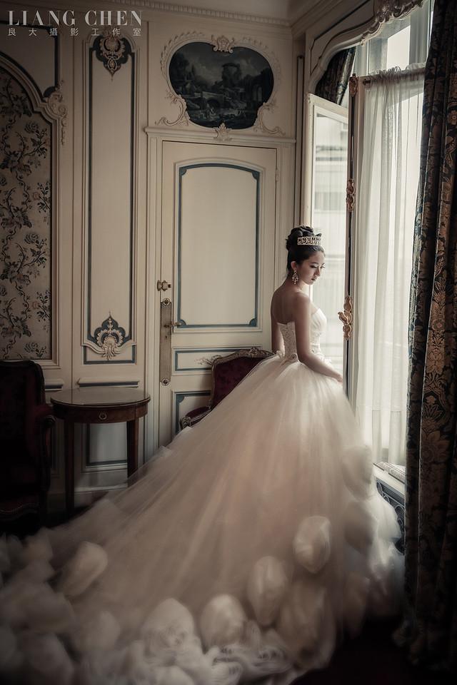 自助婚紗,海外婚禮,海外婚紗,婚紗攝影,婚攝,婚紗攝影工作室,良大LiangChen,婚禮攝影,婚禮紀錄,法國巴黎Paris拍婚紗