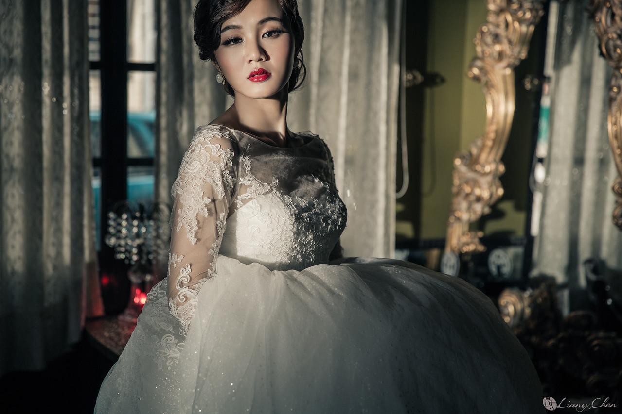 自主婚紗,獨立婚紗,自助婚紗,海外婚禮, 海外婚紗,婚紗攝影,婚攝,台北攝影師,台灣攝影師,婚紗攝影師,婚紗攝影工作室,良大LiangChen,婚禮攝影, 婚禮紀錄,婚禮,婚紗,攝影,白紗,禮服, 婚禮攝影,婚禮拍照,拍婚紗,拍婚禮,結婚迎娶,訂婚儀式,人像婚紗, 個性時尚婚紗, Howbon Floral Design 好棒花藝,新娘捧花,Alisha&Lace 愛儷紗&蕾絲手工婚紗,棚內婚紗照,肖像婚紗,陽明山,造型師Vivi Makeup Studio,造型師瑋翎,造型師Nina楊夢稊,深坑婚紗,深坑馬場