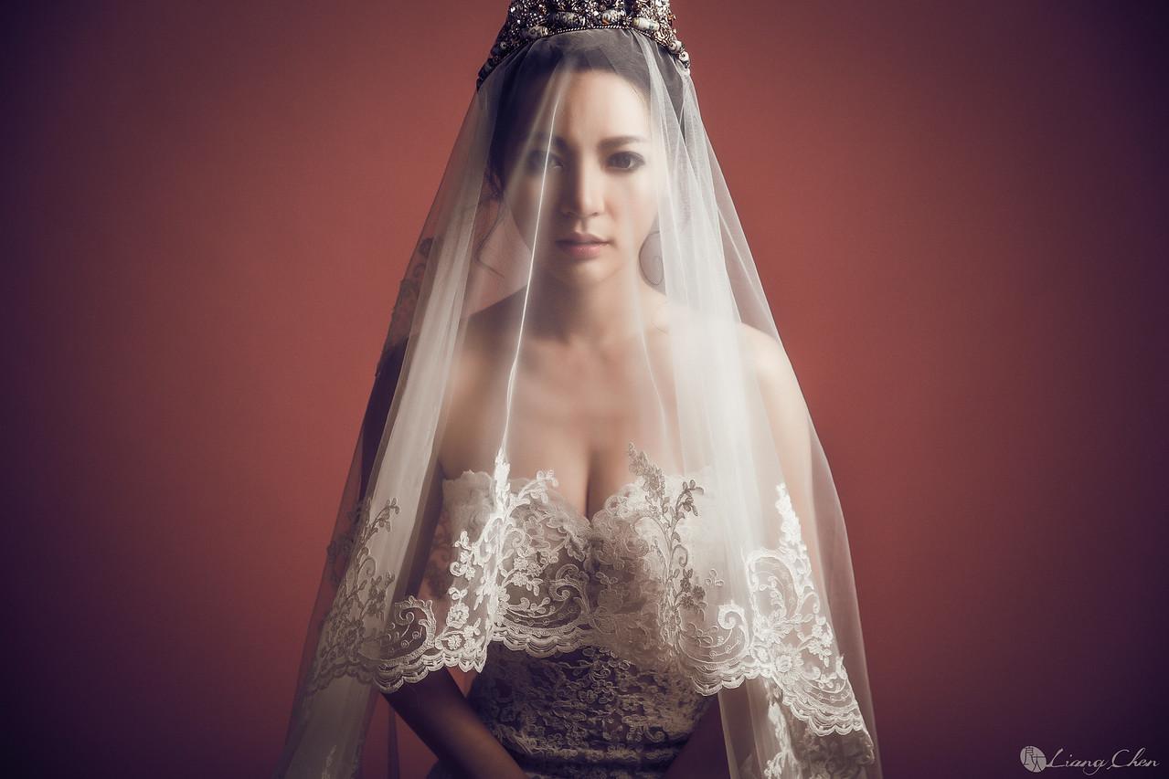 自主婚紗,獨立婚紗,自助婚紗,海外婚禮, 海外婚紗,婚紗攝影,婚攝,台北攝影師,台灣攝影師,婚紗攝影師,婚紗攝影工作室,良大LiangChen,婚禮攝影, 婚禮紀錄,婚禮,婚紗,攝影,白紗,禮服, 婚禮攝影,婚禮拍照,拍婚紗,拍婚禮,黑白婚紗照,結婚迎娶,訂婚儀式,棚內拍婚紗,氣球SuperTaxi