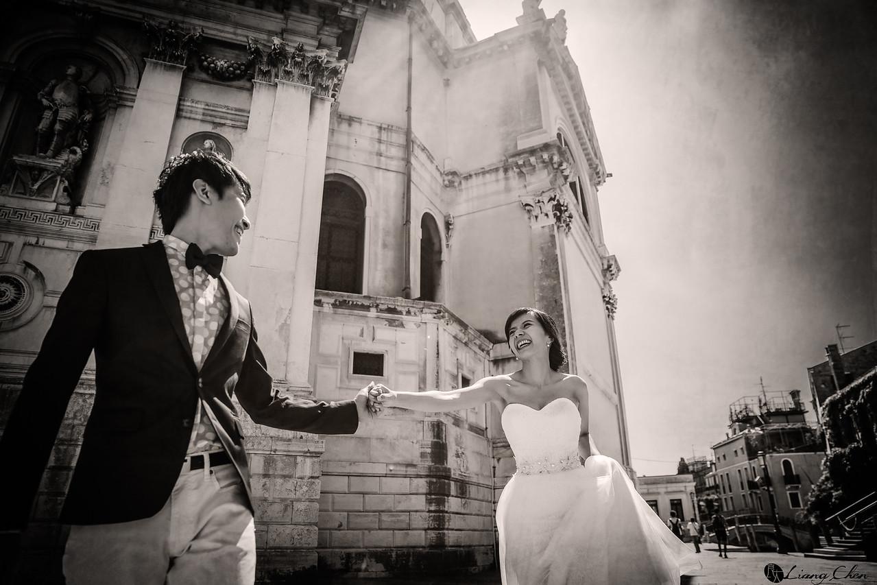 自主婚紗,獨立婚紗,自助婚紗,海外婚禮, 海外婚紗,婚紗攝影,Wedding  photo,pre wedding,bride, 婚攝,台北攝影師,台灣攝影師,婚紗攝影師,婚紗攝影工作室,良大LiangChen,婚禮攝影, 婚禮紀錄,婚禮,婚紗,攝影,白紗,禮服, 婚禮攝影,婚禮拍照,拍婚紗,拍婚禮,結婚迎娶,訂婚儀式,人像婚紗, 個性時尚婚紗, Howbon Floral Design 好棒花藝,新娘捧花,Alisha&Lace 愛儷紗&蕾絲手工婚紗,棚內婚紗照,肖像婚紗,陽明山,造型師Vivi Makeup Studio,造型師瑋翎,造型師Nina楊夢稊,Italy photo,義大利婚紗,Venice,威尼斯婚紗